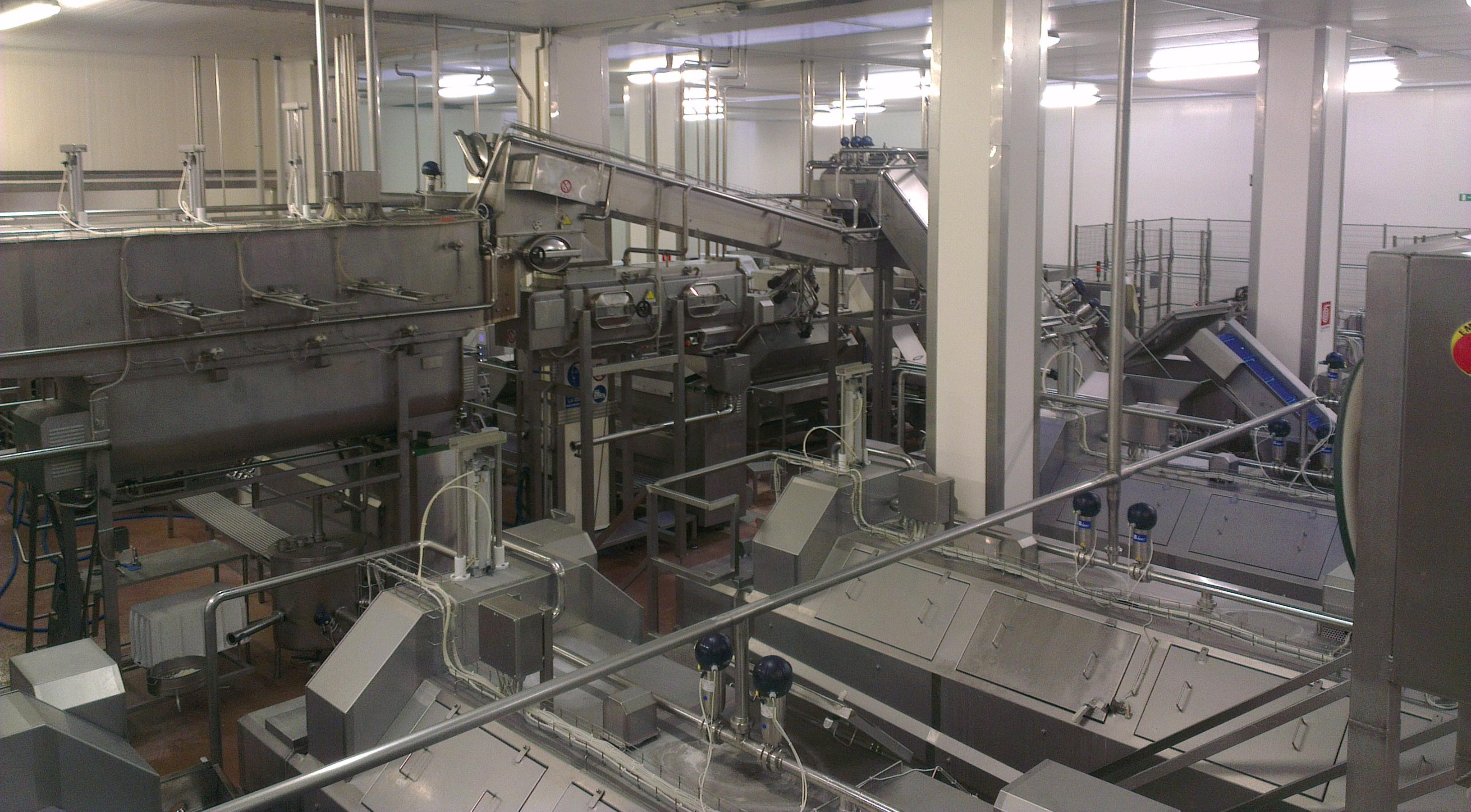 Automazioni industriali, robot e cobot su misura per linee ed impianti del settore alimentare.
