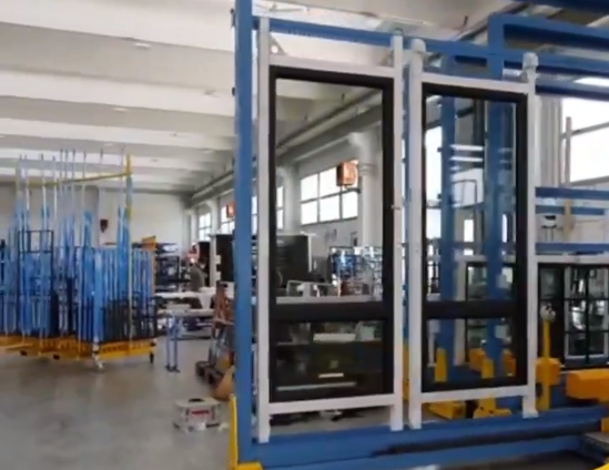 Automatic warehouse for storage, handling and siliconing